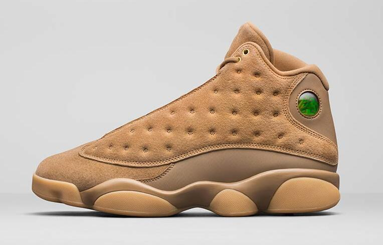80b5ab3403734d Closer Look at the Air Jordan 13