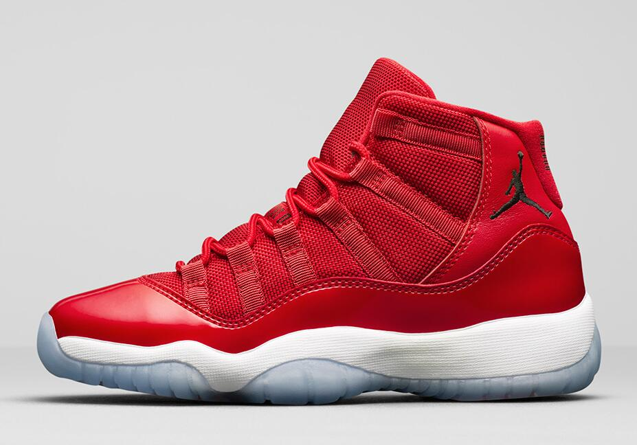 Air Jordan 11 Chicago is Dropping in