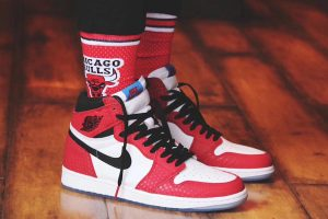 Air Jordan Retro 1 High OG Chicago Crystal